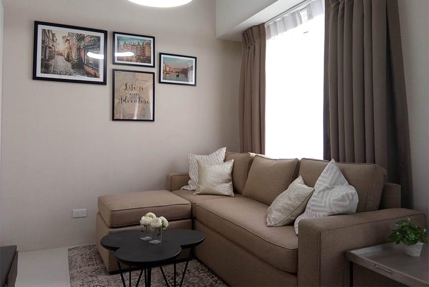 2-bedroom-in-calyx-couch