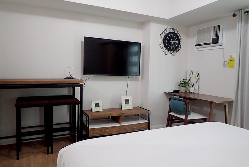 alveo-studio-for-rent-bed-view
