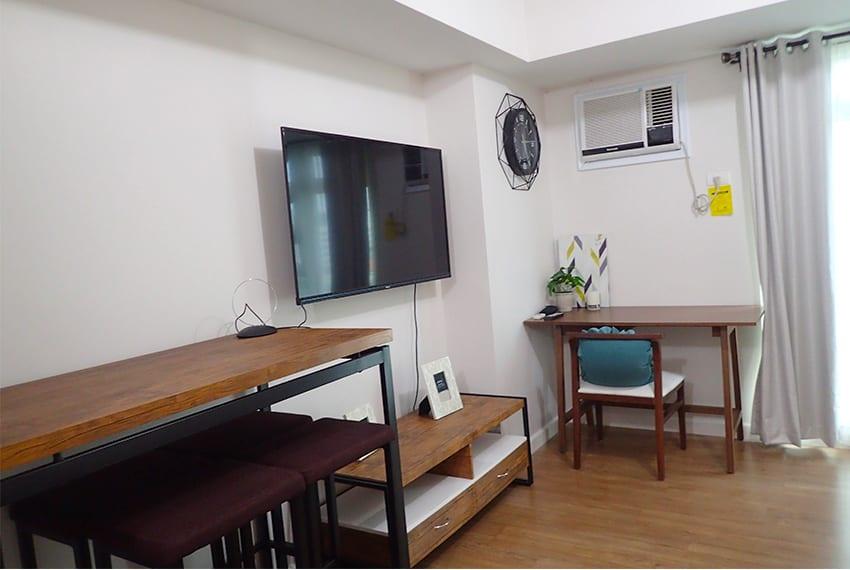 alveo-studio-for-rent-tv-area
