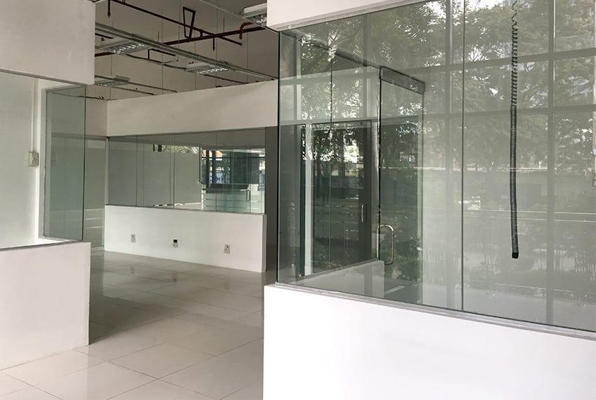 retail-shop-for-rent-partitions