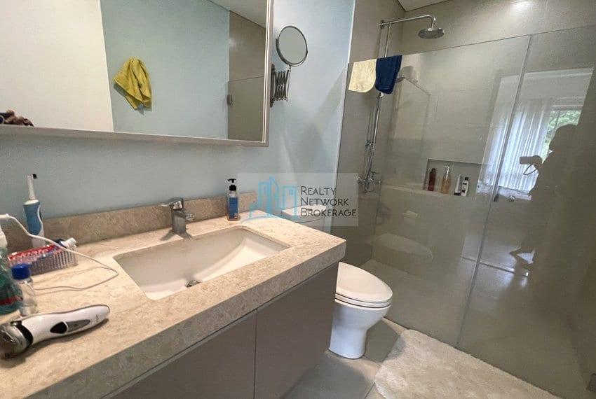 2-bedroom-in-32-sanson-rockwell-cebu-for-sale-comfort-roomjpg