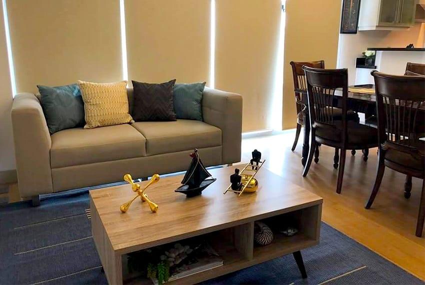 Swell Parkpoint 1 Bedroom For Sale In Cebu Business Park Realty Creativecarmelina Interior Chair Design Creativecarmelinacom