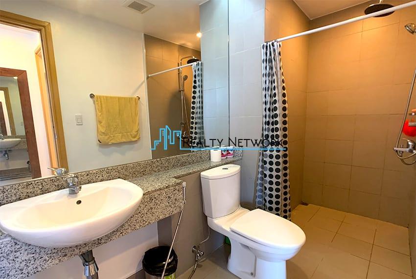 1016-2-bedroom-for-rent-common-bathroom