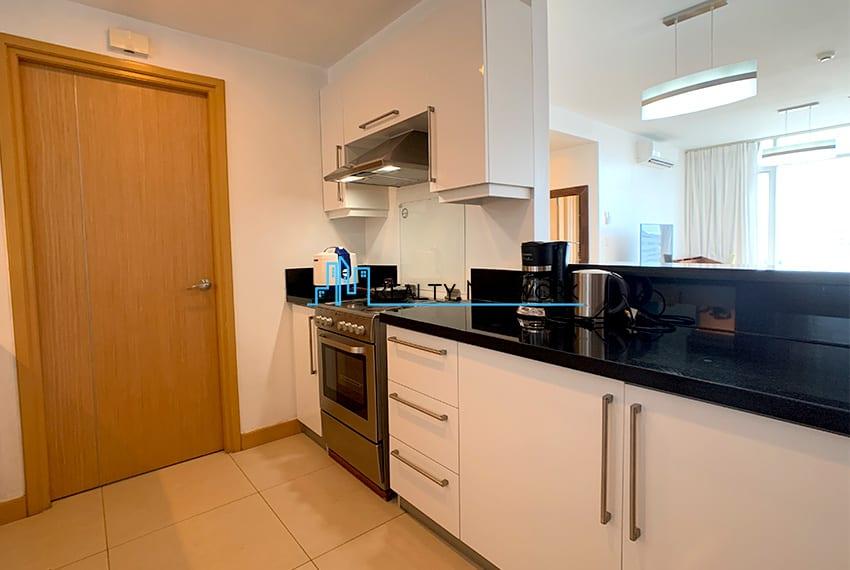 1016-2-bedroom-for-rent-kitchen
