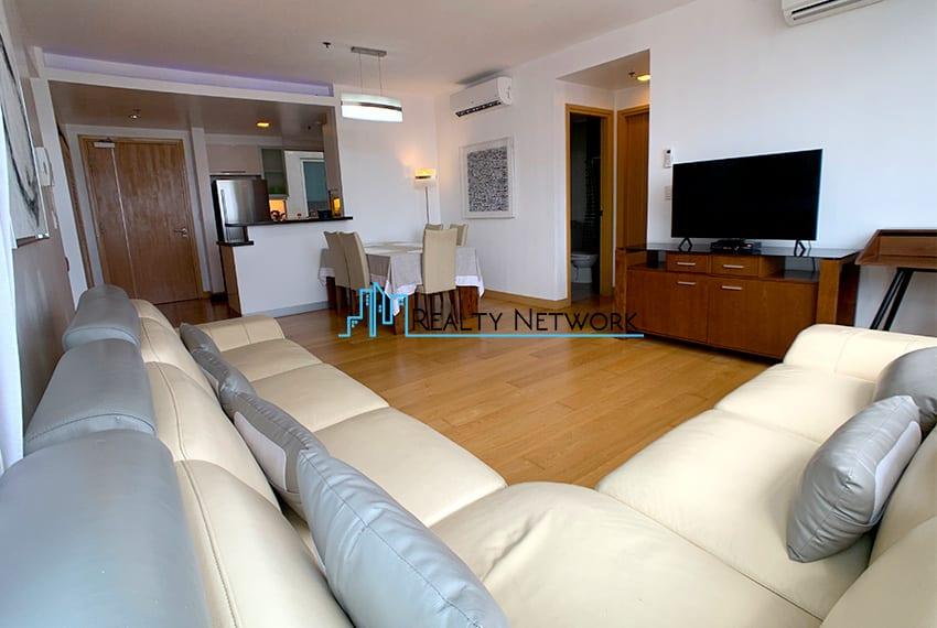 1016-2-bedroom-for-rent-living-room