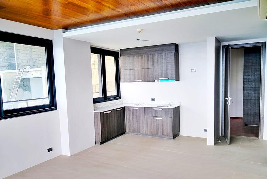 2-bedroom-the-reef-mactan-kitchen