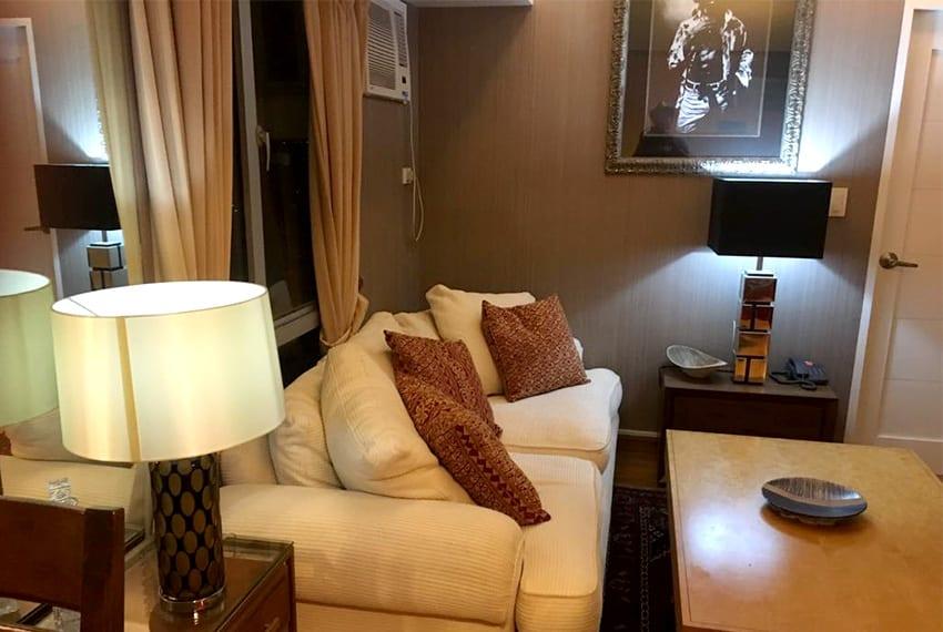 avida-2-bedroom-for-rent-sofa