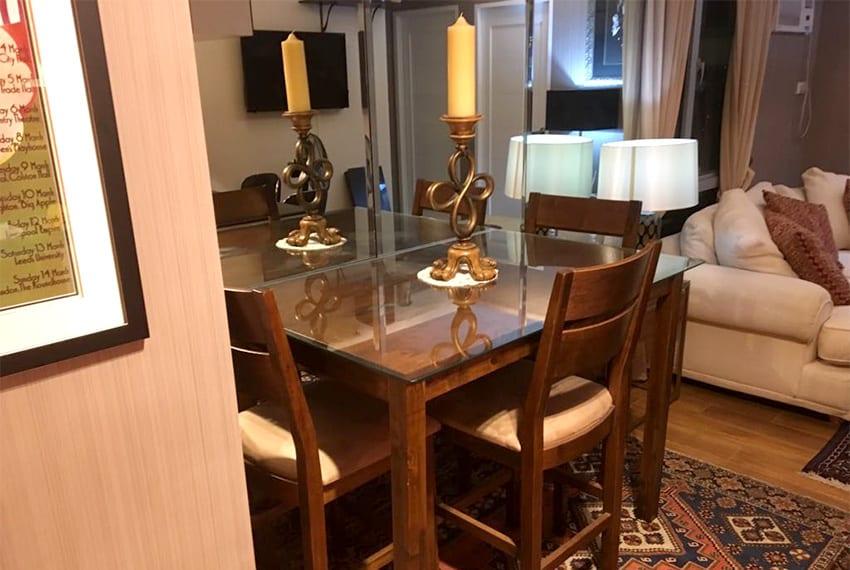 avida-2-bedroom-for-rent-table