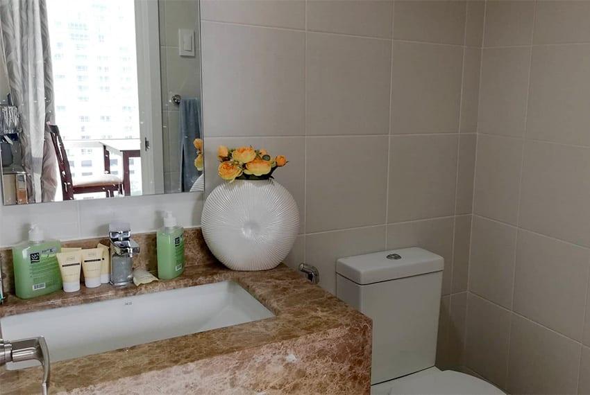 marco-polo-1-bedroom-corner-unit-bathroom