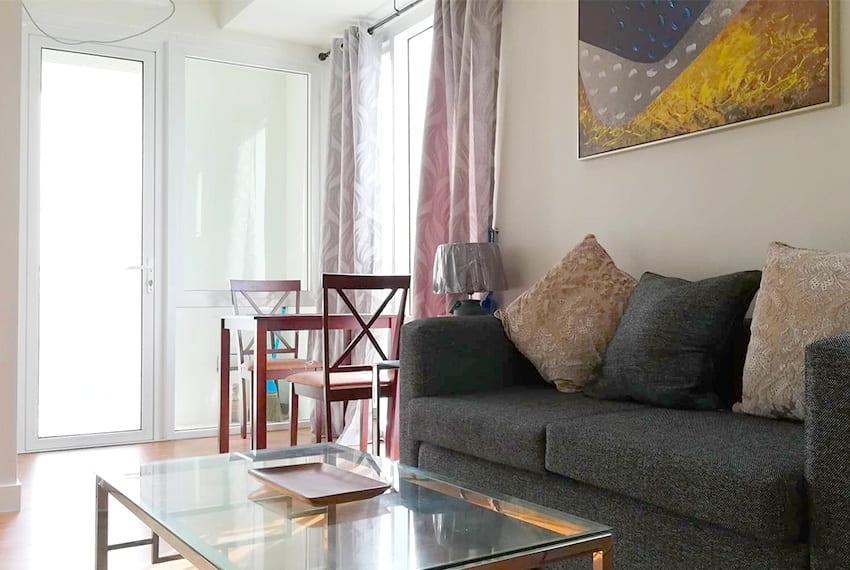 marco-polo-1-bedroom-corner-unit-living-room