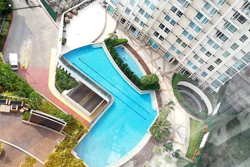 marco-polo-1-bedroom-corner-unit-pool
