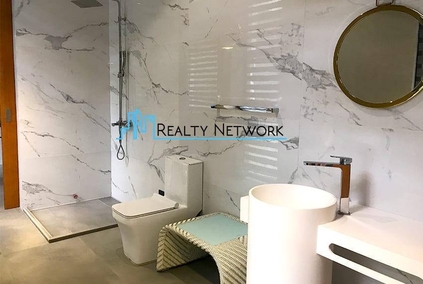 maria-luisa-luxury-house-for-sale-bathroom-2