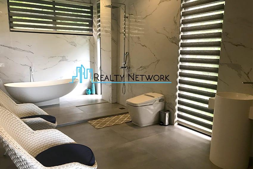 maria-luisa-luxury-house-for-sale-bathroom-5