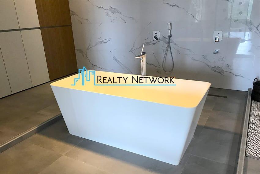 maria-luisa-luxury-house-for-sale-bathroom-6