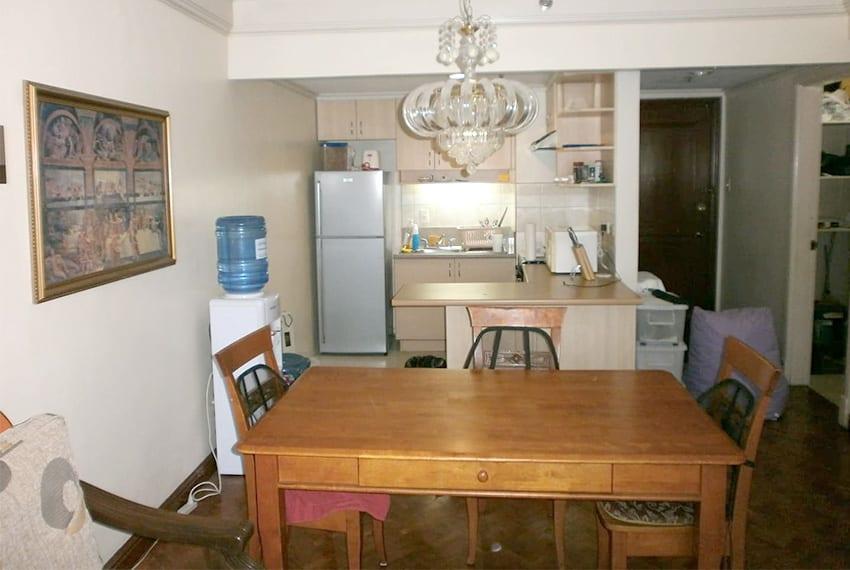 park-tower-1-bedroom-for-sale-living