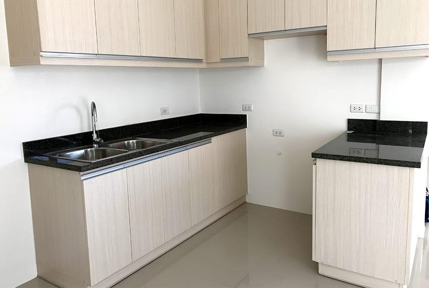 pristina-north-townhouse-for-sale-kitchen