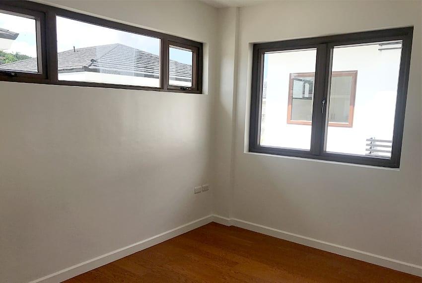 pristina-north-townhouse-for-sale-windows