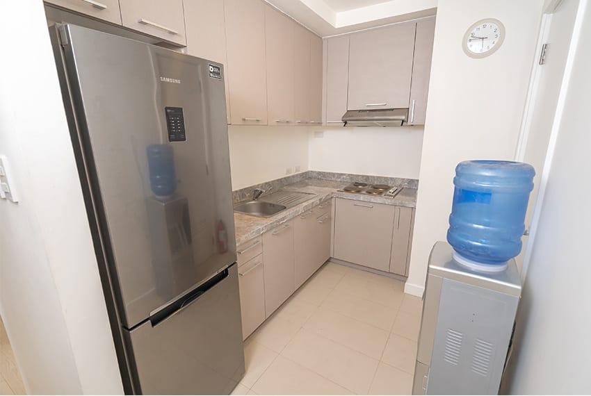 2-bedroom-gmelina-32-sanson-for-rent-kitchen