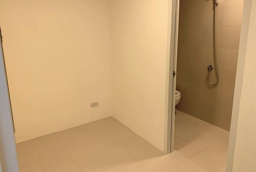3-bedroom-in-32-sanson-for-sale-maids-room