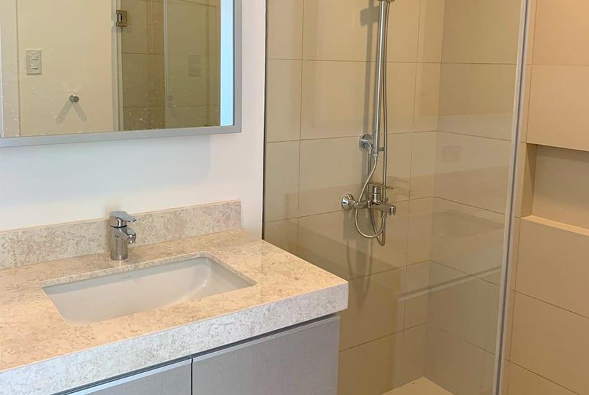 3-bedroom-in-32-sanson-for-sale-toilet