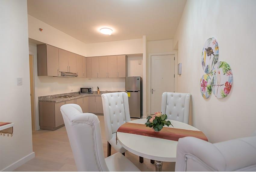 32-sanson-buri-1-bedroom-for-rent-dining