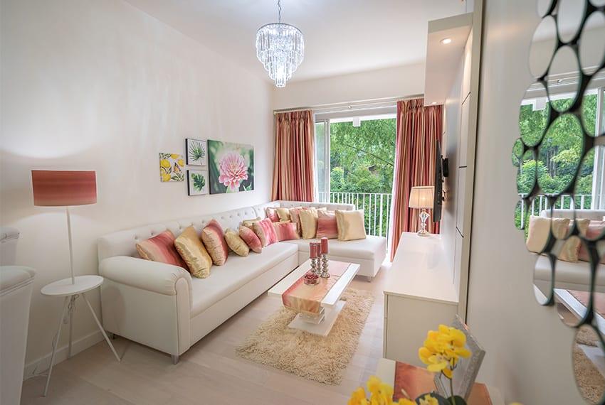 32-sanson-buri-1-bedroom-for-rent-living-room