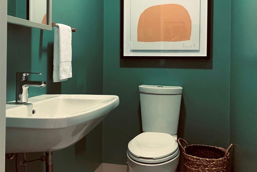 32-sanson-executive-1-bedroom-for-rent-toilet