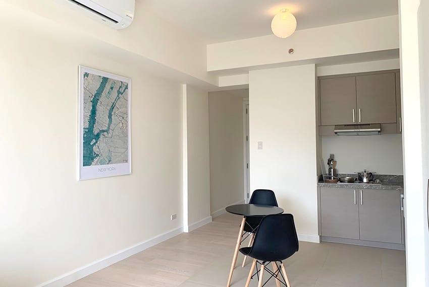 32-sanson-studio-unit-for-rent-hallway