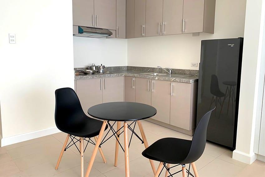 32-sanson-studio-unit-for-rent-living-area