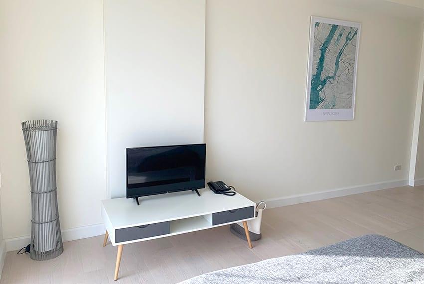 32-sanson-studio-unit-for-rent-tv
