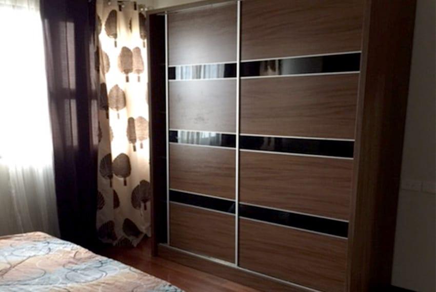 avalon-2-bedroom-for-rent-closet