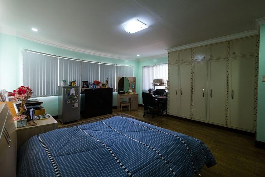 garnetville-house-for-sale-2nd-bedroom-closet