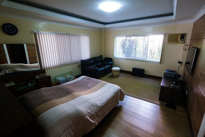 garnetville-house-for-sale-4th-bedroom-entrance