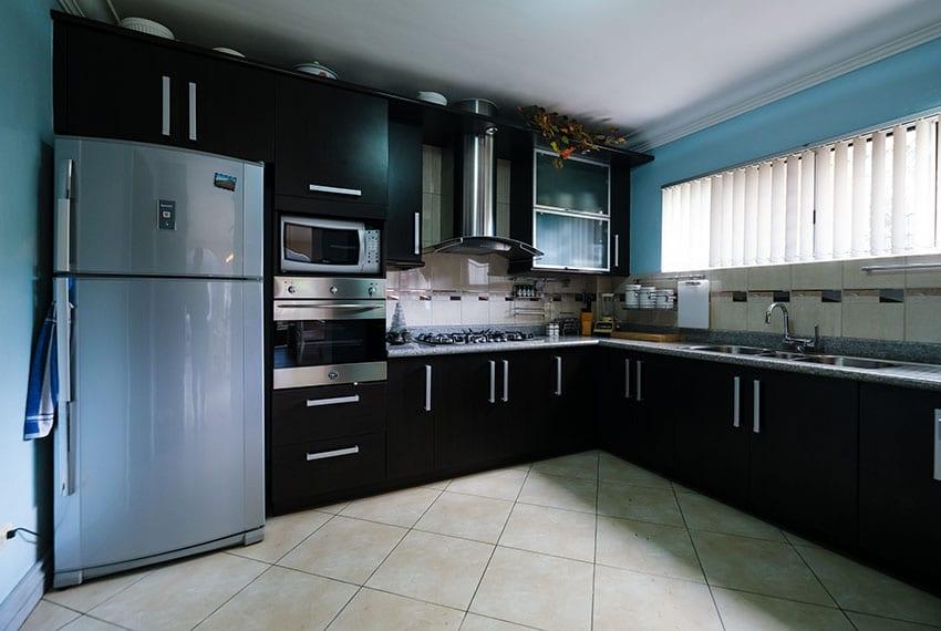 garnetville-house-for-sale-fridge