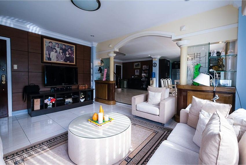 garnetville-house-for-sale-living-room