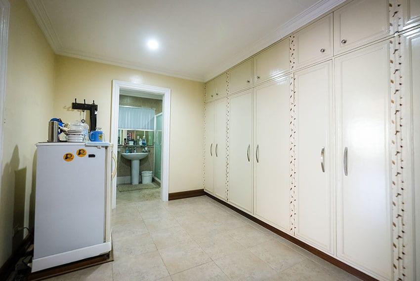 garnetville-house-for-sale-masters-closet