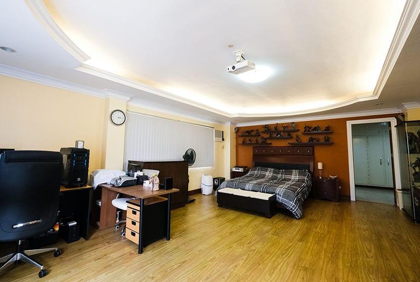 garnetville-house-for-sale-masters-office