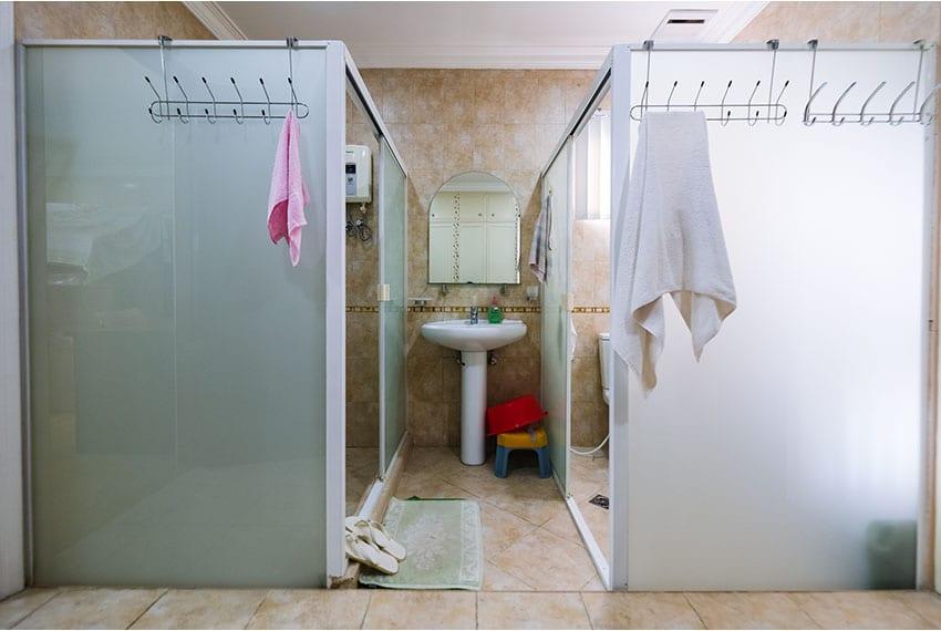 garnetville-house-for-sale-shared-bathroom
