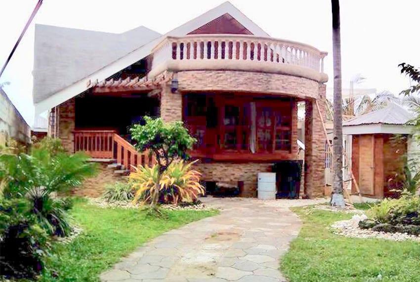 oslob-beach-house-for-sale-garden