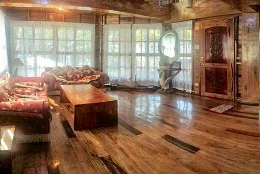 oslob-beach-house-for-sale-living-room