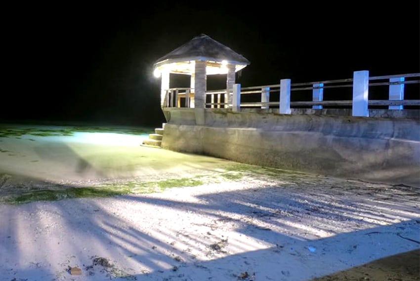 oslob-beach-house-for-sale-night-beach