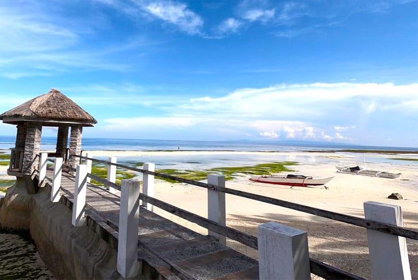 oslob-beach-house-for-sale-pathway