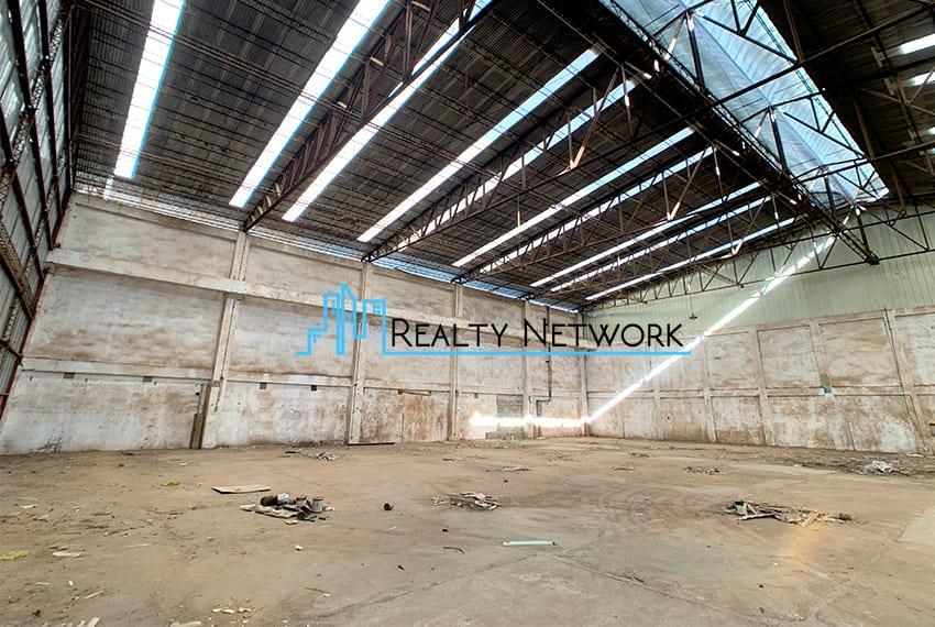 warehouse-for-rent-in-mandaue-inner-warehouse-left-entrance