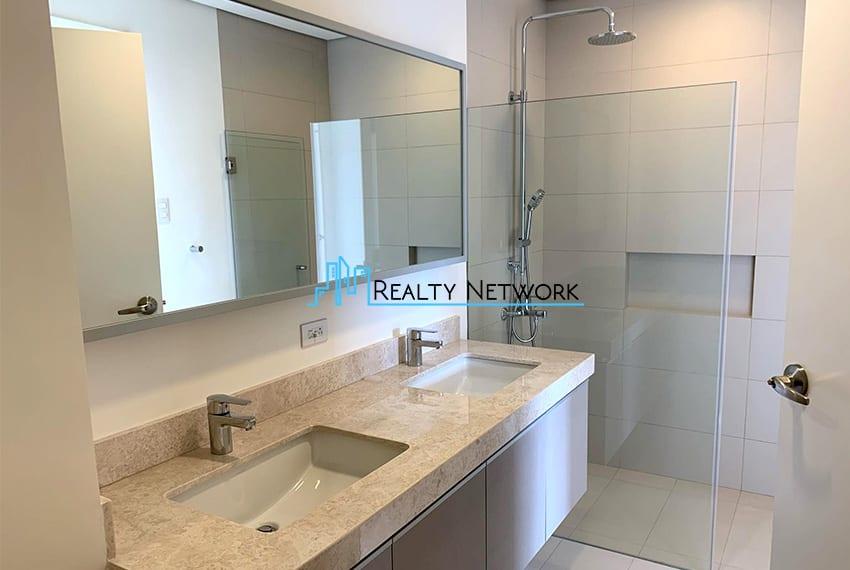 3-bedroom-in-32-sanson-rockwell-for-sale-shower