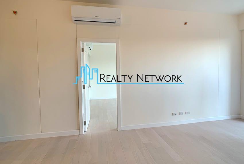32-sanson-1-bedroom-executive-for-sale-hallway