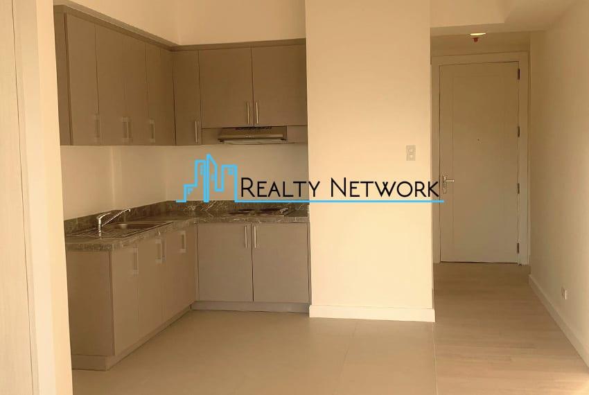 32-sanson-buri-studio-for-sale-living-area