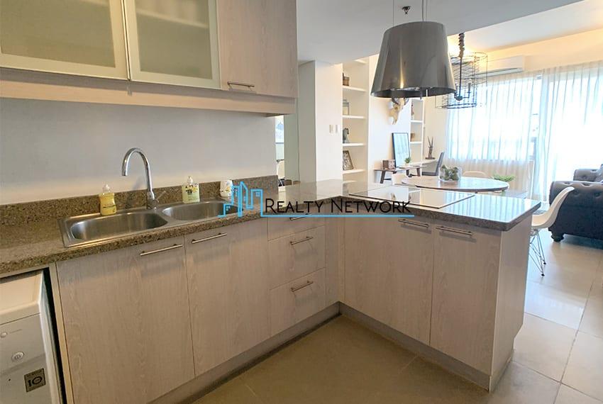 interiored-condo-in-it-park-cebu-kitchen