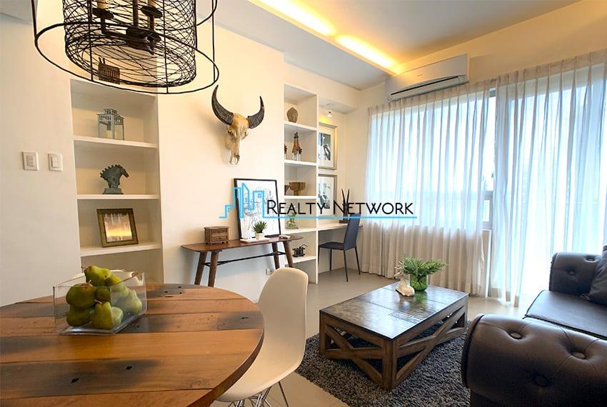 interiored-condo-in-it-park-cebu-living-area