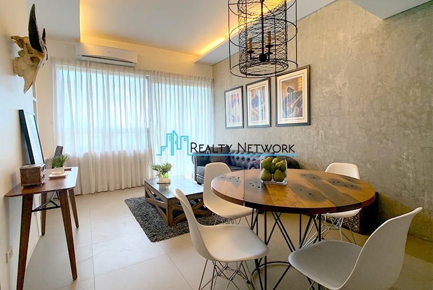 interiored-condo-in-it-park-cebu-living