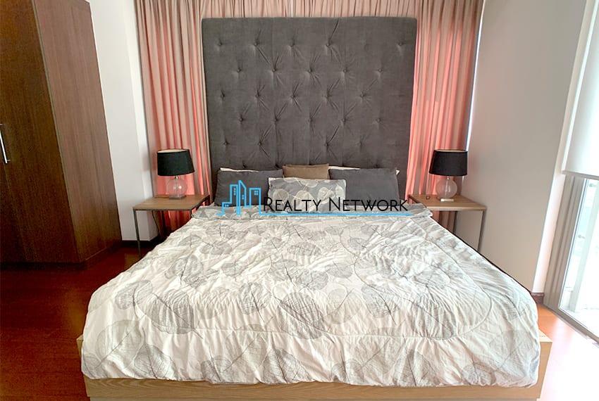 interiored-condo-in-it-park-cebu-masters-bed